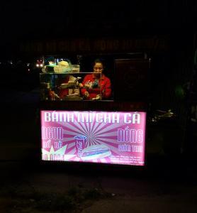 Bảng hiệu đèn led bán tối